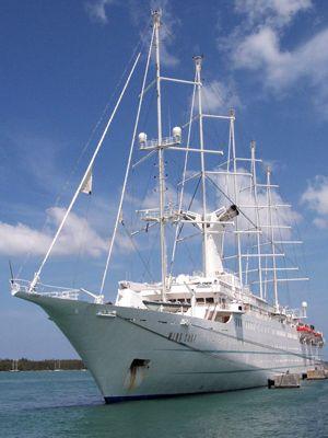 Sailing Cruiseship in Key West Harbor